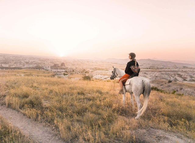 Rose Valley ở Thổ Nhĩ Kỳ có thể nói là một địa điểm độc nhất vô nhị. Thung lũng ở vùng Cappadocia này là một nơi tuyệt vời để trải nghiệm hoạt động đi bộ. Bạn có thể đi bộ từ 2 đến 10 km mà vẫn không cảm thấy chán.