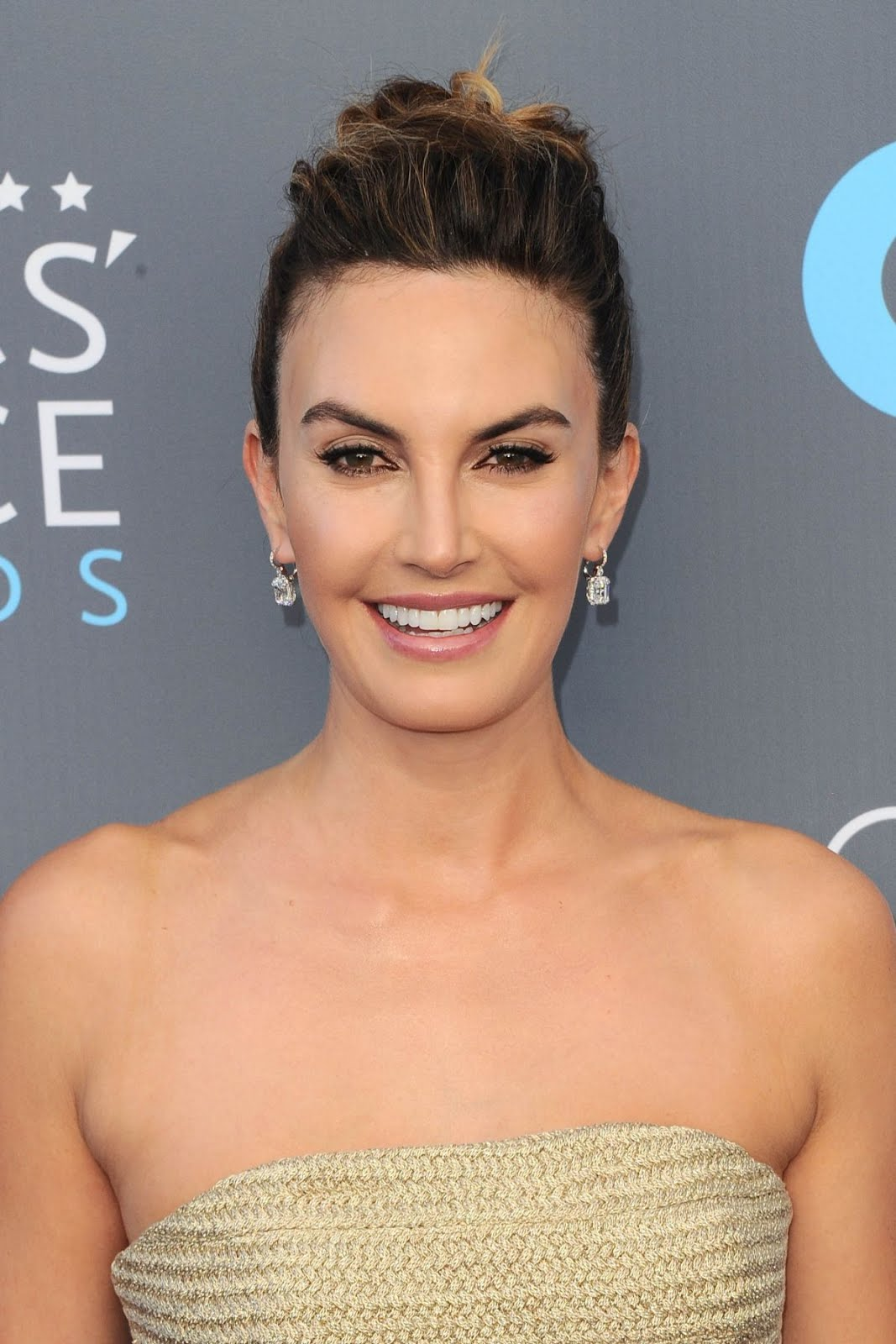 Elizabeth Chambers At 2018 Critics Choice Awards In Santa Monica