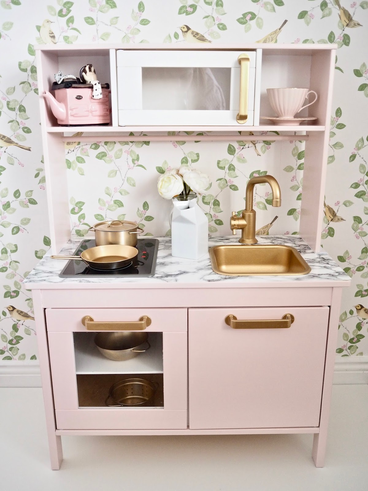 Ikea Duktig play kitchen makeover | The dainty dress diaries
