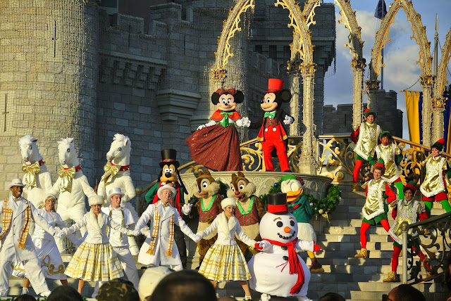 Cinderella's Castle, Mickey's Christmas Show