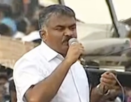 Marina Protest : Siva Senaapathy(Kangayam Cattle Research) speaks in front of protesters