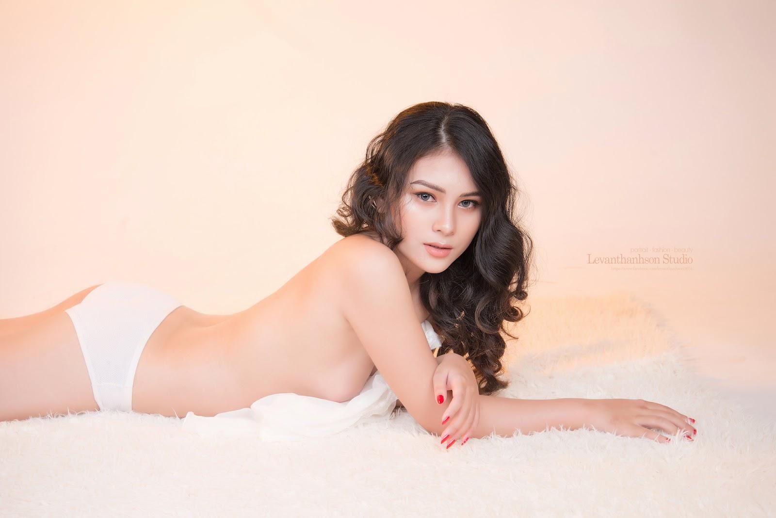 Model Thảo lê chụp bán nude