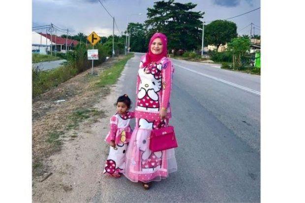 HELLO KITTY ~ Pemilik Pakaian Sedondonnya Tolak Tawaran Ribuan RM ... a186d5b8c5