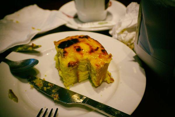 日本のカステラにそっくりの味だった。パンデローでは無い