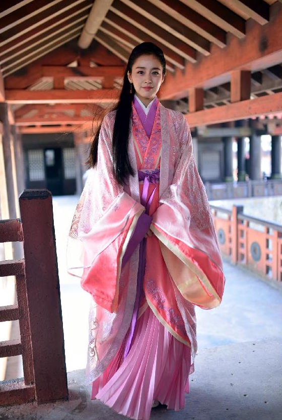 Kim Tae Hee in Chinese historical drama Famous Calligrapher Wang Xi Zhi