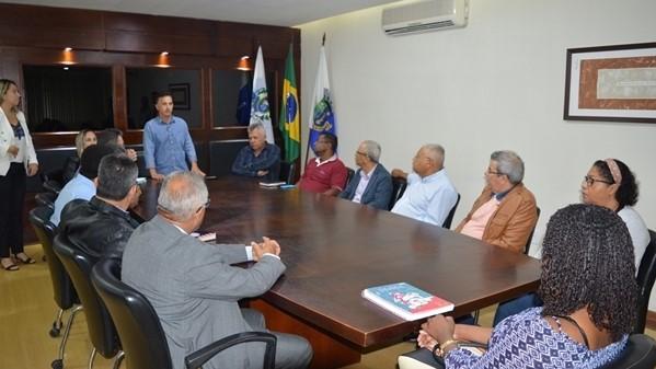 Chumbinho recebe pastores na Prefeitura Municipal de São Pedro da Aldeia