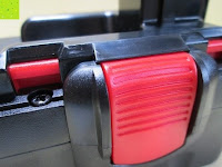 Tasten: Masione® Bohrmaschinenakku Ersatz Akku 18V 3000mAh NI-MH Batterie Für Bosch 13618 1662B 23618 33618 BAT025, BAT026, BAT160, BAT180, BAT181, BAT189 Rot & Schwarz
