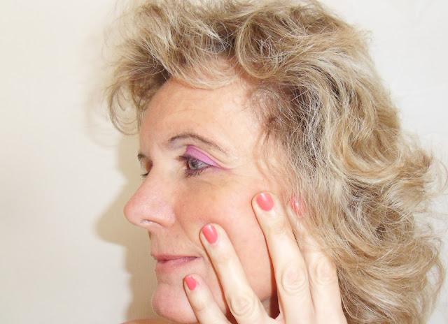 Douglas Kosmetik, glänzendes Aussehen, perfektes Make-up
