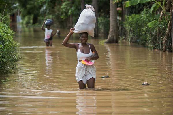 La temible tormenta de huracán Irma toca tierra en cuba de nuevo en máxima categoría