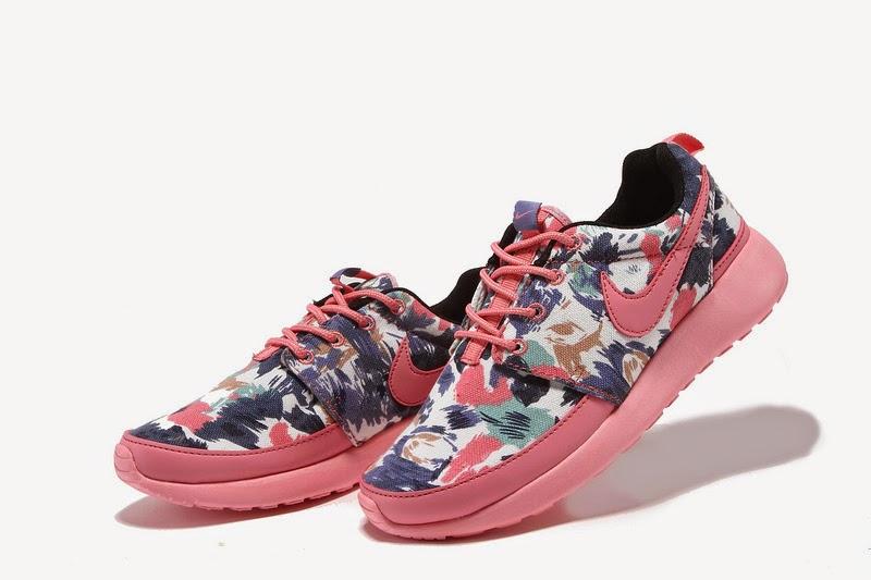 7de7eeaf92206b Nike Roshe White with Custom Black Candy Drip Swoosh Paint Etsy