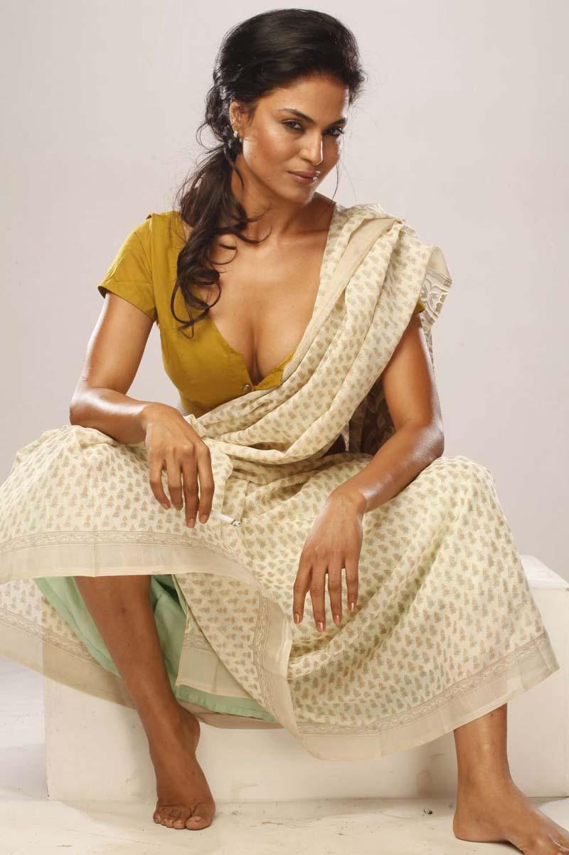 PiczGallerys: Mutham Thara Vaa Movie Stills
