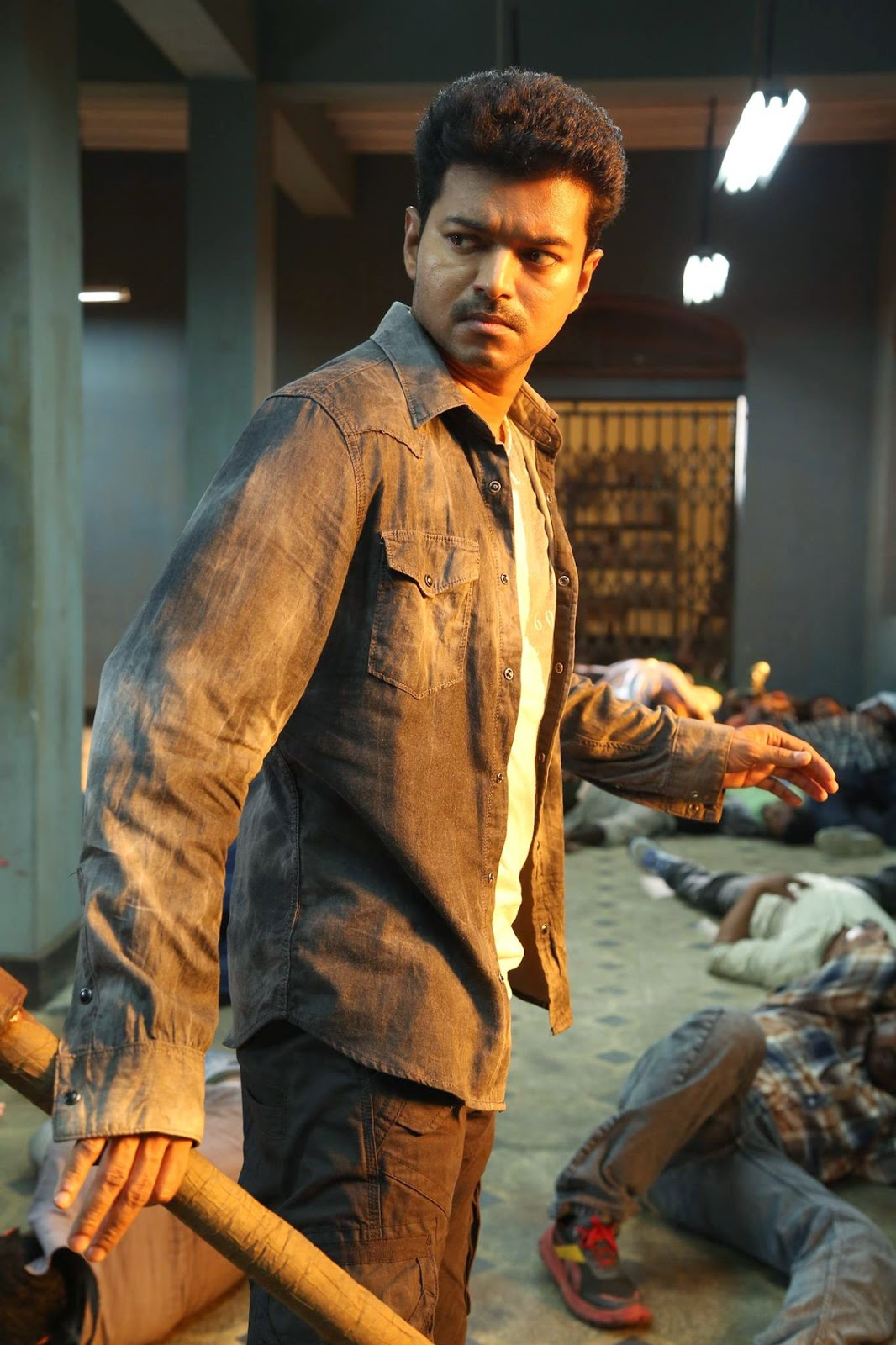 Play an active role in shaping our journalism by becoming a membe r. Vijay in Kaththi Movie - Latest Movie Updates, Movie