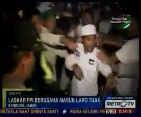 Laskar FPI mencoba masuk lapo tuak, Pemilik dan pengunjung langsung melawan