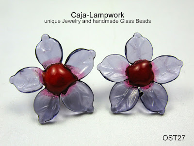 lila Lampwork Blumen Ohrstecker
