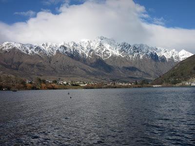 Frankton, The Remarkables y el lago Wakatipu, Nueva Zelanda