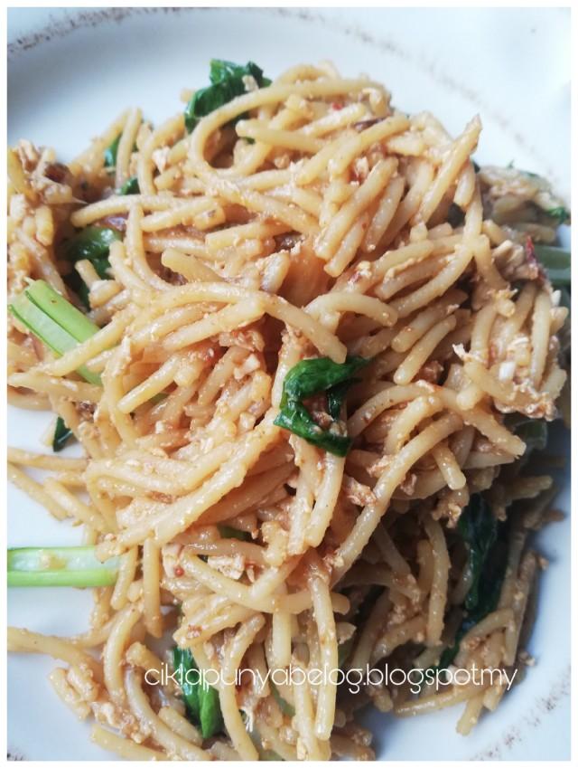 Resepi spaghetti goreng simple.