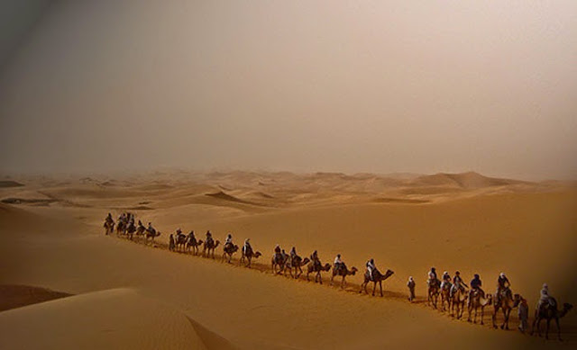 http://2.bp.blogspot.com/-Xc2jutOxxVs/VTj_ru_IaFI/AAAAAAAAawU/pZOo0DtJ39Q/s1600/3-sahara-dan-2-golongan-penduduk-Jazirah-Arab.jpg