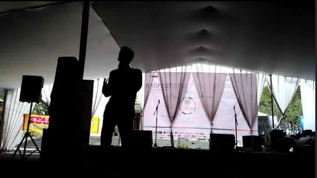 open mic stand up comedy ketika gak ada penonton