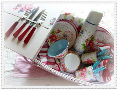 Vintage Pink Picnic Basket Perfection