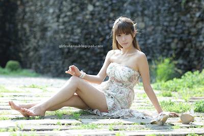Heo Yun Mi with Strapless Dress   Korean Models Photos Gallery