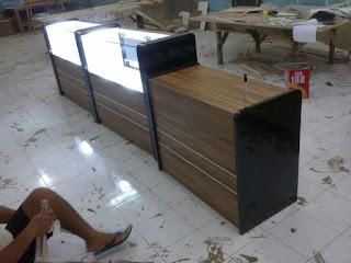 Furniture Semarang - Etalase Display Roti dengan Pemanas