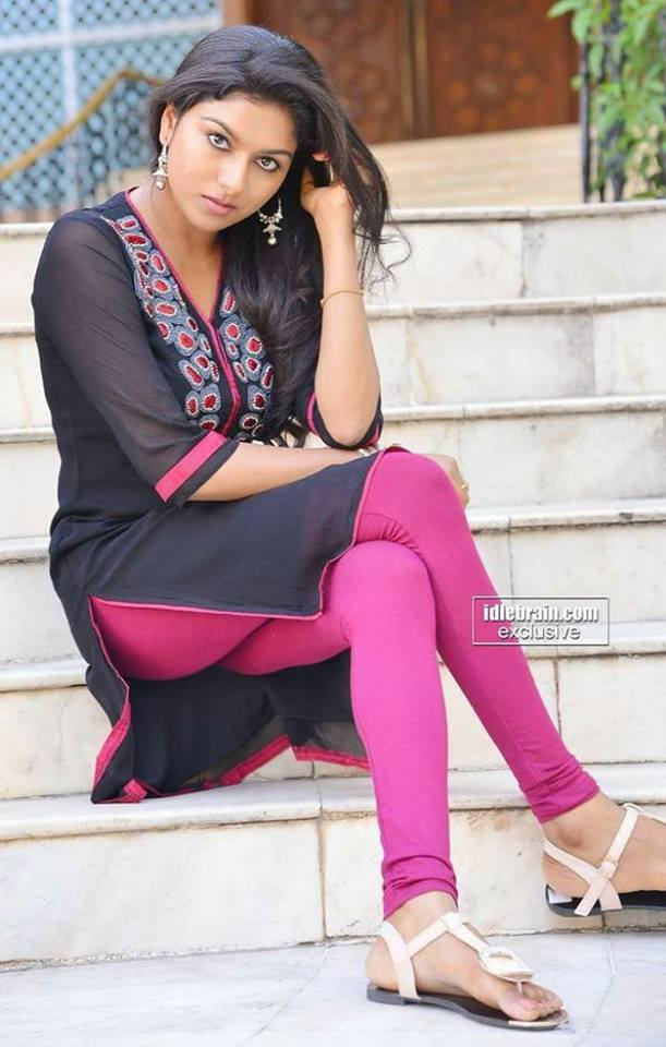 Girls Backside Gand Salwar  Big Pakistani Aunties 2018 -3204
