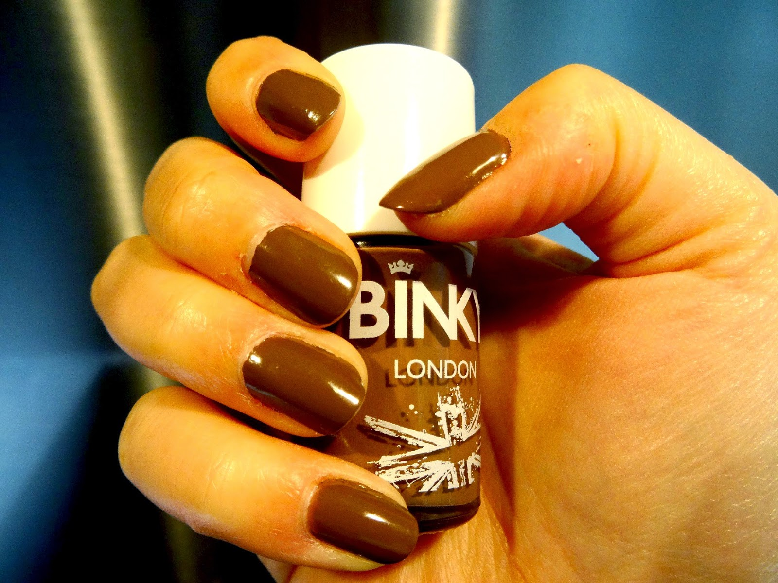 Mocha Geld Binky autumn nail varnish