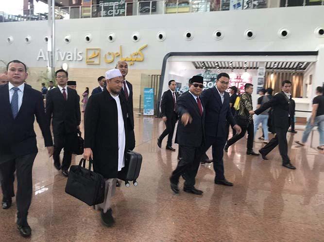 Prabowo diisukan kabur ke luar negeri