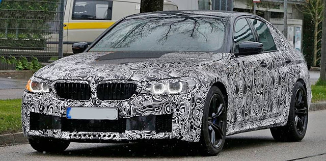 2018 BMW M5 with AWD and automatic