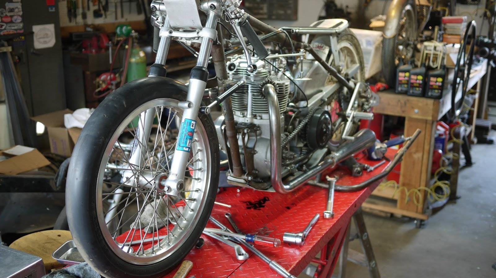 1950 triumph - el mirage 650cc a/pf record holder - bikerMetric