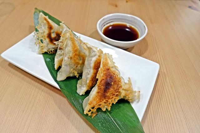 原粹蔬食作日式煎餃