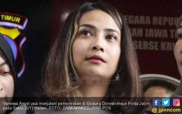 Vanessa Mengaku Jadi MC Acara, Kok di Kamar Bareng Pria?