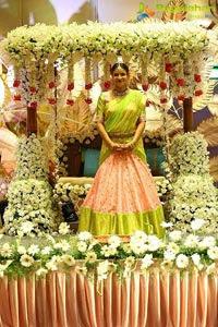 mahesh-babu-niece-half-saree100t