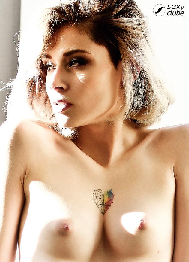 Fotos de Milena Louise nua pelada na Revista Sexy