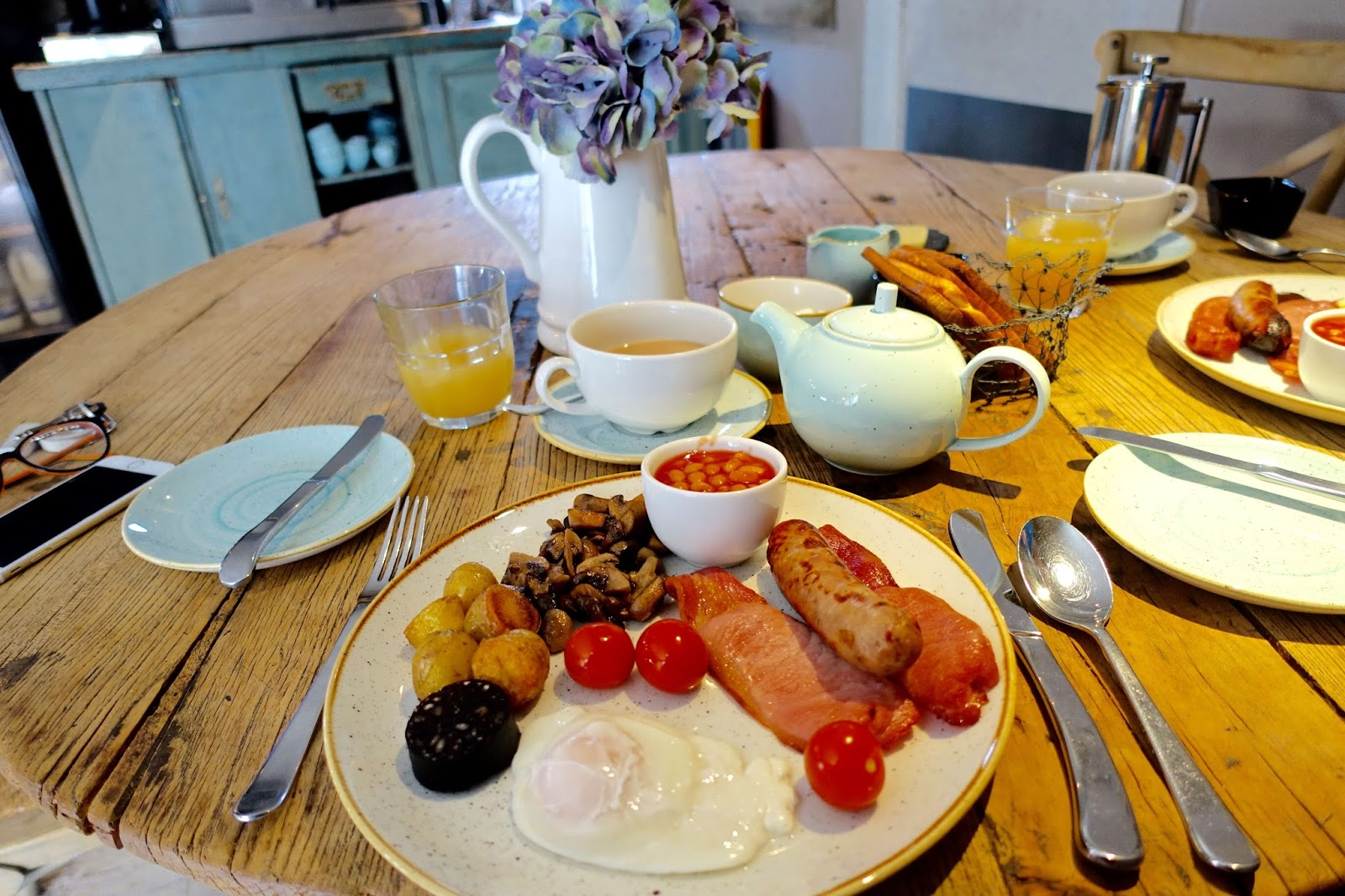 where to go for breakfast in the cotswolds