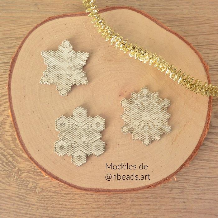 Flocons de neige en Miyuki, modèle de nbeads art tissés par Hello c'est Marine