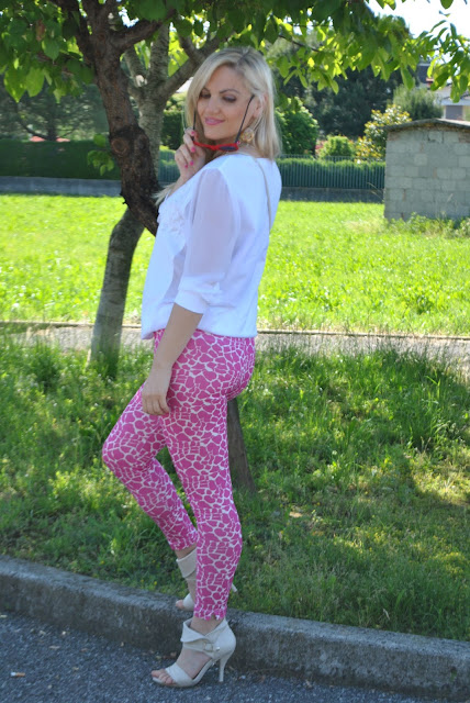 printed leggings how to wear printed leggings how to match printed leggings spring casual outfit march outfit mariafelicia magno fashion blogger color block by felym fashion bloggers italy italian fashion bloggers italian influencer