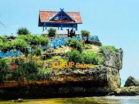 10 Spot Foto Keren Pantai Kukup Gunung Kidul Yogyakarta : Rute Lokasi, Harga Tiket, Fasilitas, Penginapan