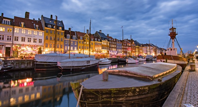 mercatini-di-natale-copenaghen-canale-nyhavn-poracci-in-viaggio