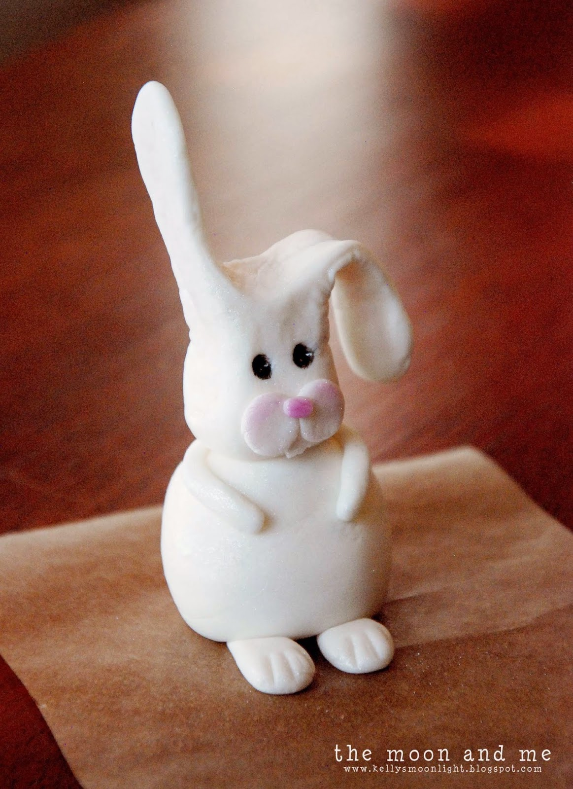 The Moon and Me: How To Make A Fondant Bunny