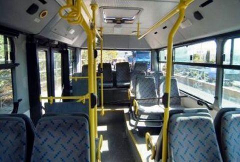 Πρωτοφανές περιστατικό σε λεωφορείο στην Πάτρα: Κάτι μύριζε τρομακτικά άσχημα και τότε κοίταξαν όλοι έναν επιβάτη...