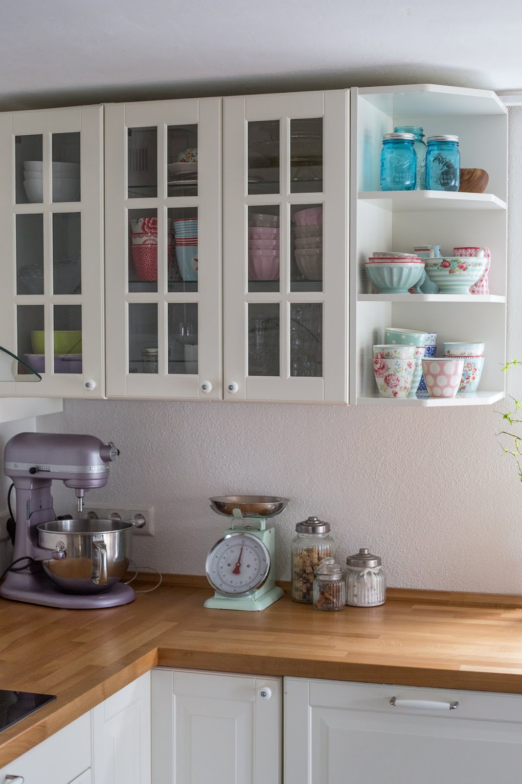 fr hjahrsputz oder in 8 schritten zur sauberen k che pomponetti. Black Bedroom Furniture Sets. Home Design Ideas