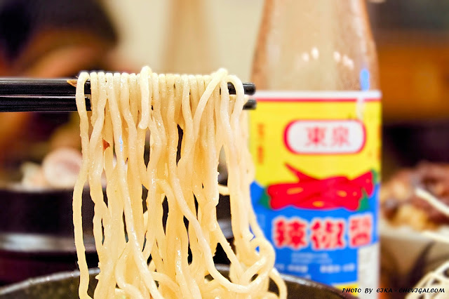 MG 0306 - 熱血採訪│王盆豬腳有店面囉!8月於向上市場新開幕,開幕期間送筍乾豬血煲