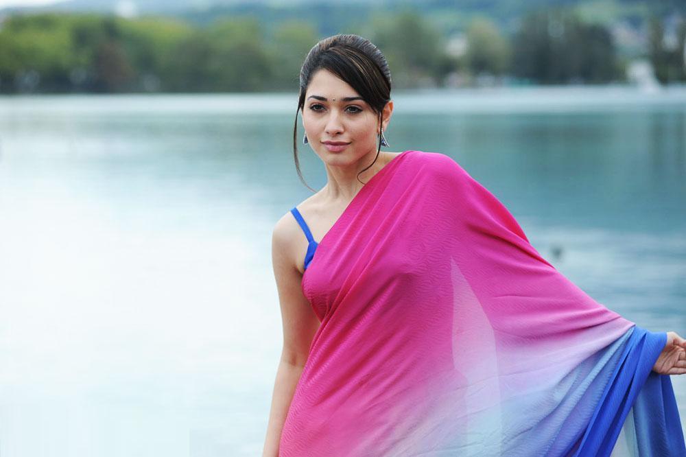 Tamanna Bhatia In Saree: Tamanna In Pink Saree Stills