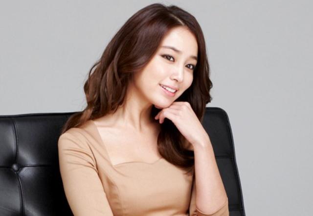Model Rambut Pirang Coklat Ala Lee Min Jung