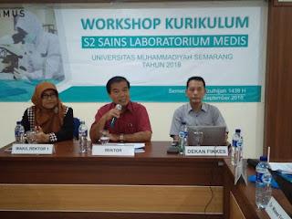 impinan Unimus saat membuka wokshop kurikulum S2 SLM. (Foto : http://www.krjogja.com)