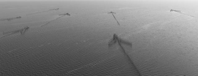 Structures de pêche sur le Tonle Sap. Photographie par  Photasia (CC)