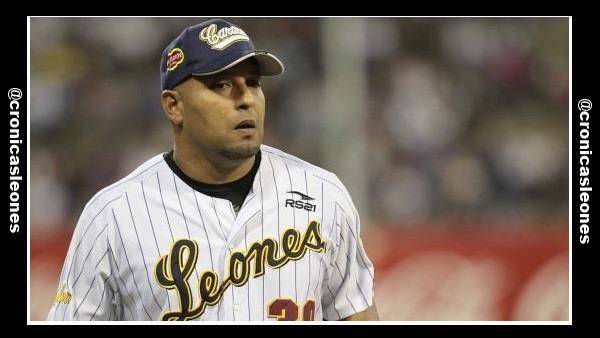 Comentarios del Manager Yorvit Torrealba antes del juego con Tiburones ...