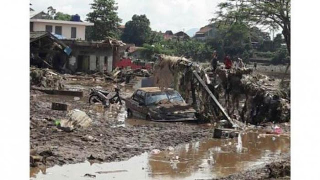 Garut Berduka, 16 Orang Dikabarkan Meninggal Oleh Terjangan Banjir Bandang