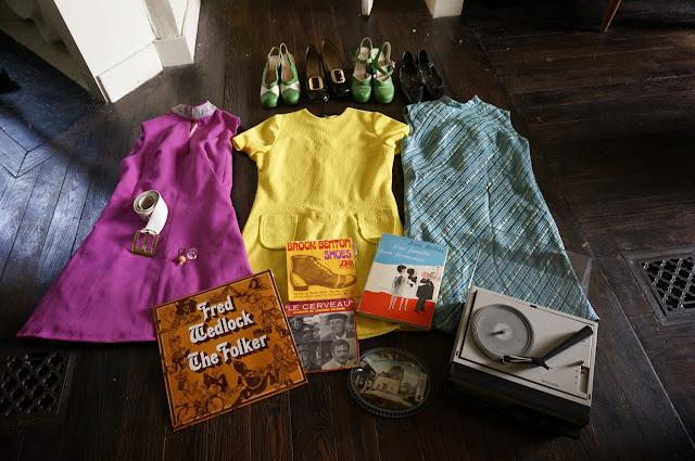 jean bellus une famille bien francaise 1966 cadre kitch en plastique